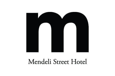 המלון ברחוב מנדלי